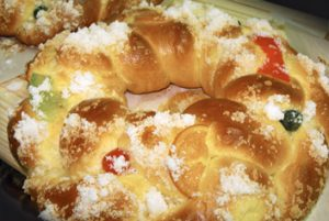 Pan da moa y su rosca de Pascua